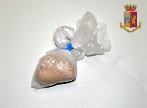 Catania. Pregiudicato arrestato dalla Polizia per detenzione ai fini di spaccio di sostanza stupefacente