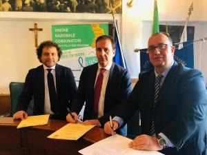 Villa S. Giovanni (Rc). Firmato il protocollo d'intesa tra il comune e l'Unione Consumatori.