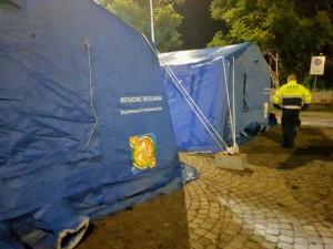 Catania: in piazza della Repubblica installato campo per l'assistenza ai senza tetto. Sarà operativo 24 ore su 24 fino a domenica 20 gennaio