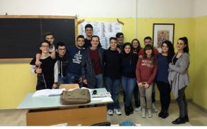 prof-francesco-mazziotta-con-alcuni-suoi-alunni-2016-agnone