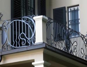 28-balcone-ringhiera-artistica-in-ferro-battuto