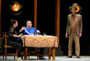 """Catanzaro. Vacantiandu: Risate e applausi a scena aperta per De Silva e Procopio nello spettacolo """"A che servono questi quattrini"""""""
