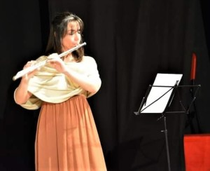 laura-paone-al-flauto