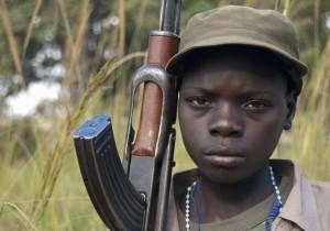 bambino-soldato-in-africa-2014
