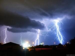 11-tempeste-di-fulmini-durante-un-temporale