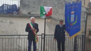 14-sindaco-badolato-gerardo-mannello-svelamento-targa-belvedere-carmelina-amato-25-04-2019
