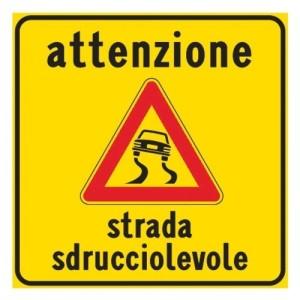 19-attenzione-strada-sdrucciolevole