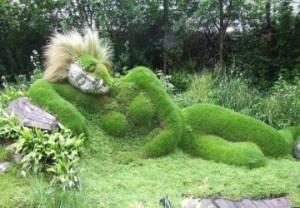 36-donna-verde-dormiente