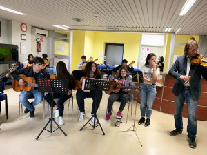 """Asp Catanzaro: studenti protagonisti di un evento musicale dedicato ai degenti dell'ospedale """"San Giovanni Paolo II"""" di Lamezia Terme"""