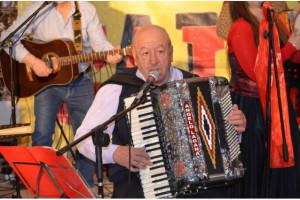Badolato (Cz). Dal cantautore Angelo Lagana' uno spettacolo-omaggio per il raduno del cognome Badolato domenica 30 giugno 2019.