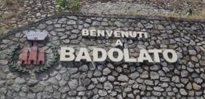 benvenuti-a-badolato-sul-muro-di-pietra
