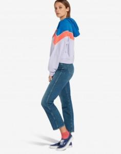 20-ragazza-casual-jeans-russia