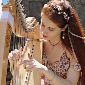"""Capo d'Orlando (Me). Mercoledì 24 luglio a Villa Piccolo """"Echi dal Piccolo Popolo"""" con le magiche suggestioni musicali di Ginevra Gilli"""
