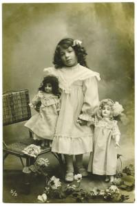 """Isola delle Femmine (PA). Nell'ambito della manifestazione Le Notti di BCsicilia, la mostra """"Quando le nonne erano bambine""""."""
