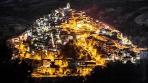 badolato-borgo-veduta-notturna