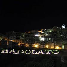Badolato (Cz). In Piazza Castello questa sera esorcismo contro lo spopolamento e la morte dei borghi
