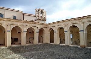 chiostro-chiesa-rosario-milazzo