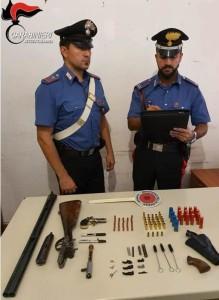 Gioia Tauro (Rc). Carabinieri: 54enne, accusato di detenzione di armi comuni da sparo clandestine, ricettazione e detenzione abusiva di munizionamento.