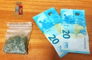 Messina. Contrasto allo spaccio in città. La Polizia di Stato arresta pusher. Spacciava marijuana a minori.