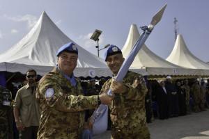 unifil_cambio-al-comando-di-sector-west_autorita_il-generale-pisciotta-cede-la-bandiera-del-sector-west-2