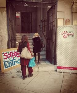 """Palermo. Il mercatino solidale della LIFE and LIFE a """"San Giovanni dei Napolitani"""". Secondo edizione di un'iniziativa, il cui ricavato andrà ai progetti dedicati a donne e bambini"""