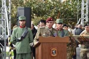 6-il-generale-castellano-durante-il-suo-intervento