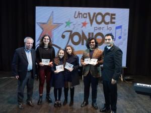 """S. Andrea Apostolo dello Jonio (Cz). Conclusa la 13^ edizione del Festival """"Una voce per lo jonio"""". I nomi dei vincitori."""