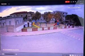 """Bovalino (Rc): Lungomare, area parco giochi. Occhio alla telecamera! """"vandali"""" spiati dall'occhio tecnologico"""