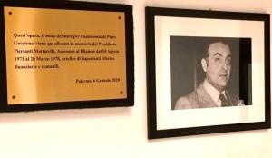 Palermo. L'Assessorato regionale dell'Economia ricorda Piersanti Matterella Un'opera del Maestro Guccione ed una targa in memoria di Mattarella, Assessore con delega al bilancio per sette anni