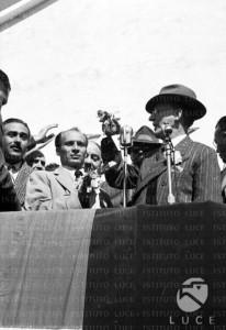 2-de-gasperi-a-badolato-scalo-24-marzo-1952
