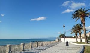 Riconfermata per il 9° anno la Bandiera Verde alla spiaggia di Roccella Jonica (Rc).