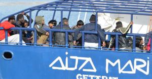 """Sicilia. Migranti. Musumeci: """"Aita Mari non approdi a Palermo"""""""