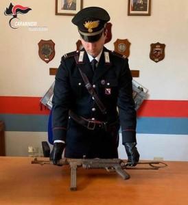Platì (Rc). I Carabinieri trovano una pistola mitragliatrice nascosta tra le rocce.