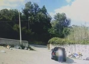 """Messina. VIDEO. C'è chi getta la spazzatura per strada. Sindaco De Luca: """"Il re dei porci"""""""