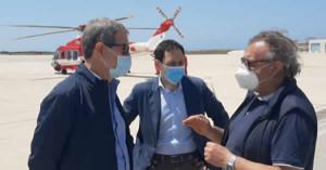 """Sicilia. Migranti. Musumeci a sorpresa a Lampedusa: """"Conte intervenga""""."""