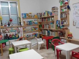 """Guardavalle Marina (Cz). Vandali prendono di mira la """"Biblioteca dei Piccoli""""."""