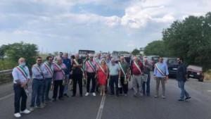 Siderno (Rc): Problematica rifiuti. Sit-in di protesta dei Sindaci della locride
