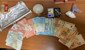 Messina. Pusher in manette. La Polizia di Stato sequestra cocaina e crack.
