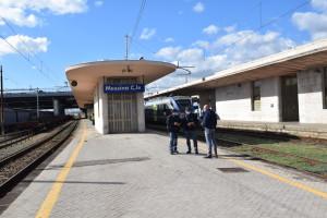 A Messina, la Polizia di Stato salva un rapace ferito tra i binari