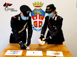 Taurianova (Rc). Tenta fuga in monopattino dopo aver acquistato cocaina: arrestato dai Carabinieri.