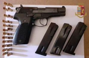 Catania. Squadra mobile: un arresto per detenzione di armi