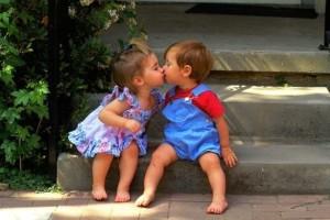 4-bacio-bambini
