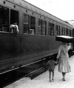 34-donna-con-valigia